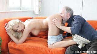 Alter Mann verführt junge babe - Szene 1 - Vipro CZ