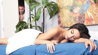 deutsch blonde Alyssa Branch Blowjob Massage