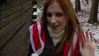 Julia Reaves Rothaarige Fotze liebt es im Freien zu ficken